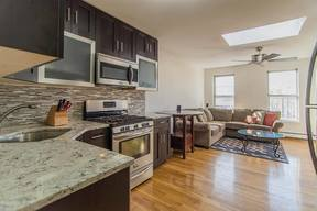 Condo/Townhouse Sold: 233 Griffith St #3GR