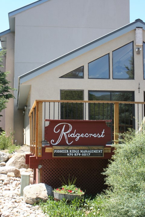 Ridgecrest Condos Sign