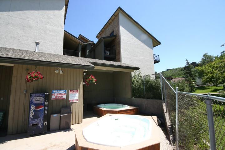 Hot tub at The Rockies Condos