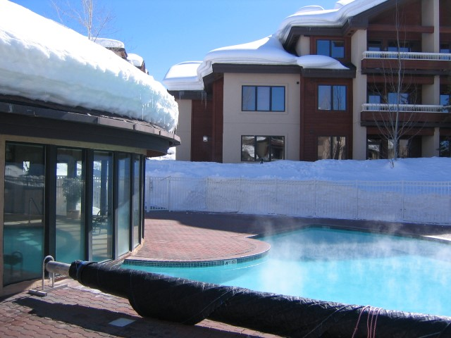photo of the pool at Trappeurs Crossing
