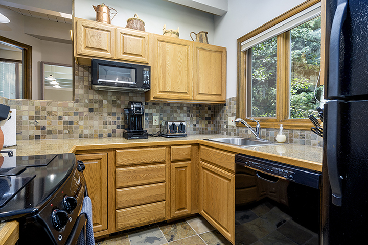 Winterwood townhome kitchen