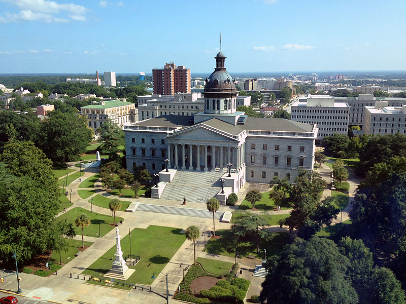 Image courtesy of HaloMasterMind / The South Carolina State House in the historic downtown Columbia, SC