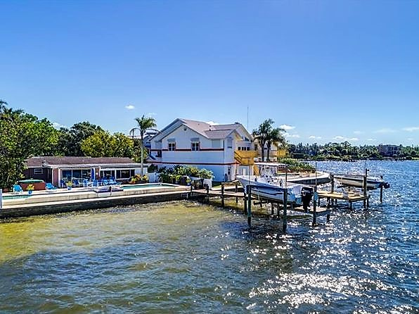 Homes for Sale in Holiday, FL