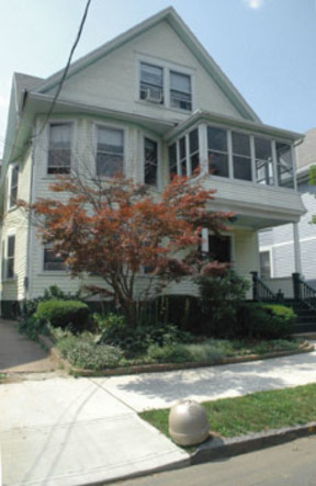 Lease/Rentals For Lease: 88 Foster St #3