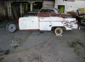 Active: 1955 FORD V8 SUNLINER