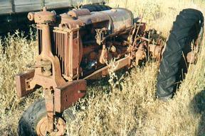 Sold: Farmall F-14 Tractor (1930''s)