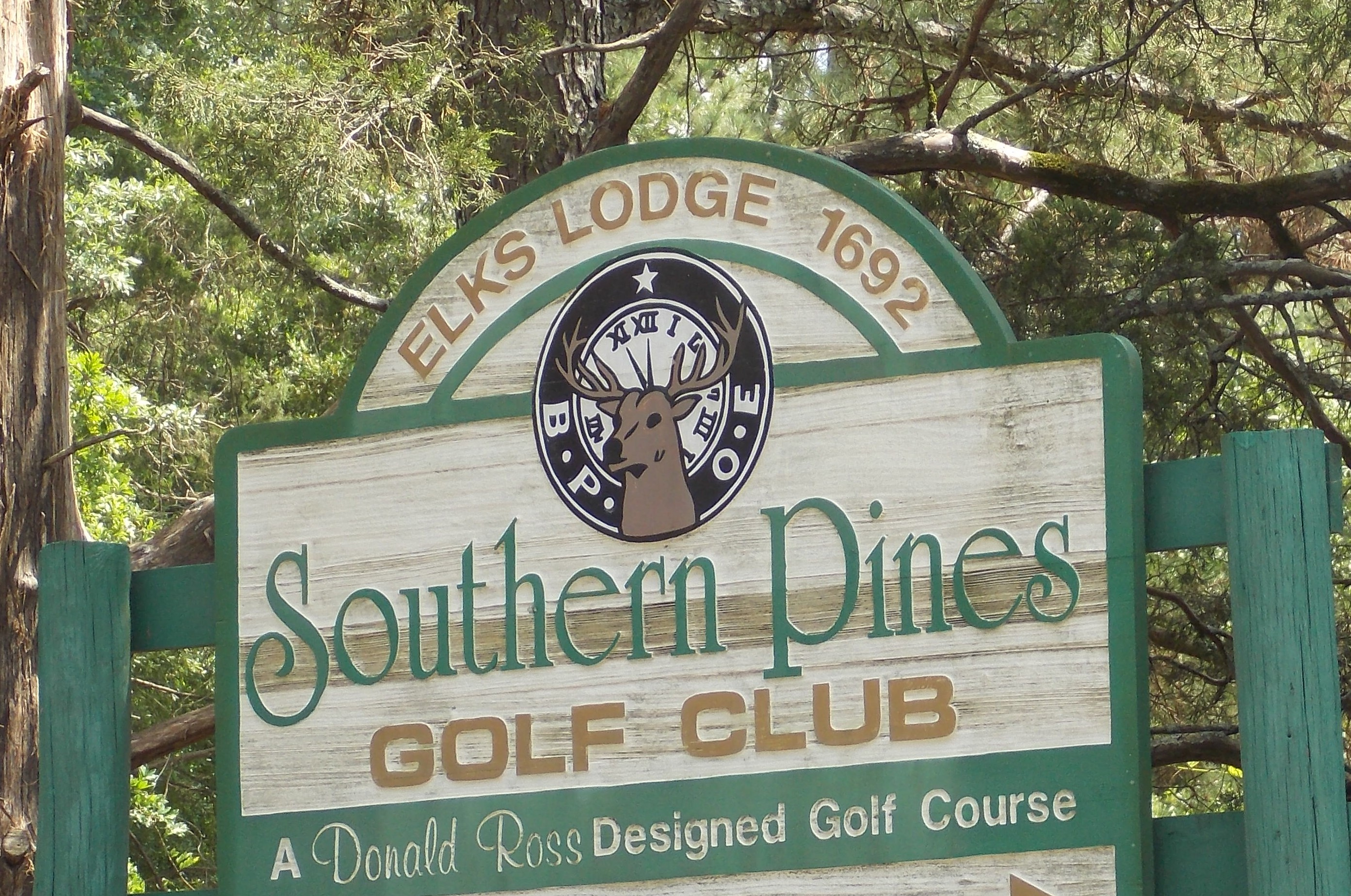 Southern Pines Golf Club Sign