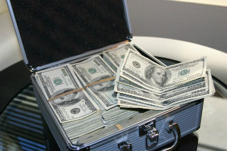 Take home an extra suitcase of money by preparing your home for sale