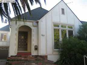 Single Family Home Sold: 384 PALM AVE
