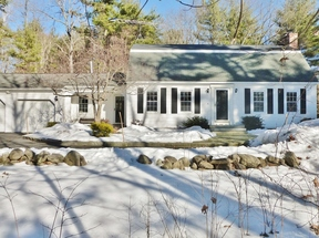 Hollis NH Single Family Home Sale Pending: $419,900