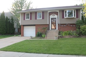 Streamwood IL Single Family Home For Sale: $225,000 Low Taxes!