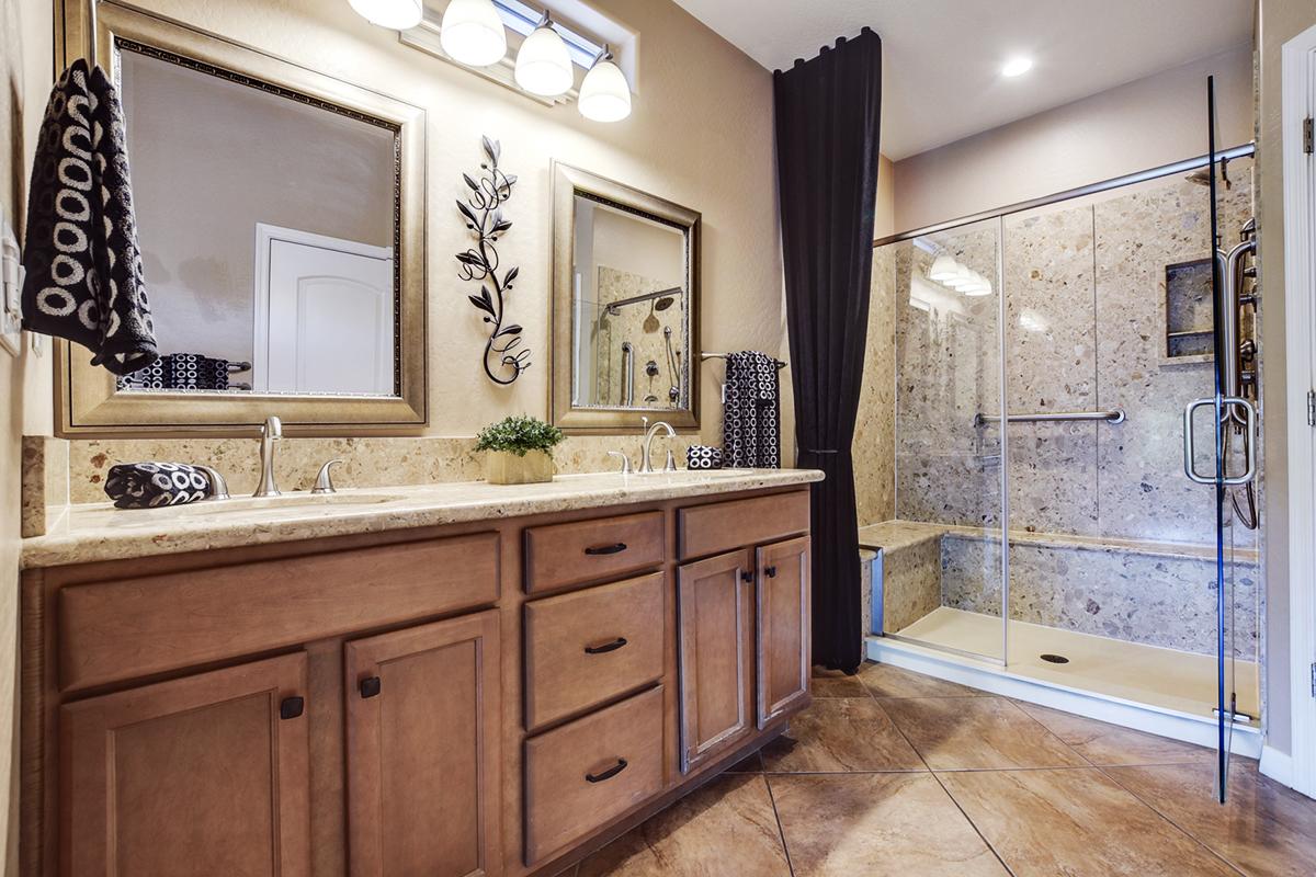 Friedman Realty Associates, 12872 W Katharine Way, master bathroom