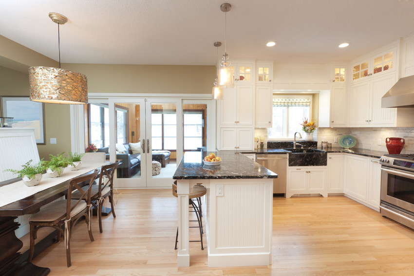 Friedman Realty Associates, spacious kitchen and eat-in area