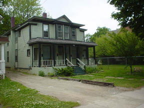Multi Family Home Leased: 932 S.  Park St.  #2