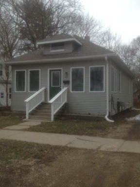 Single Family Home Leased: 911 Trimble Ave.