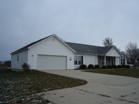Single Family Home Leased: 1075 VW Ave