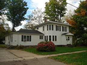 Multi Family Home Leased: 215 W Washington St.   #2