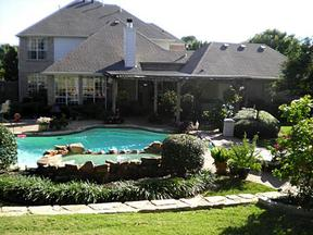 Single Family Home Sold: 1005 S Hollow Drive