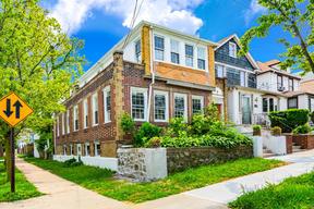 Multi Family 2-4 For Sale: 2996 Otis Avenue