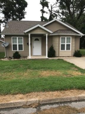 Single Family Home For Rent: 1008 Chestnut