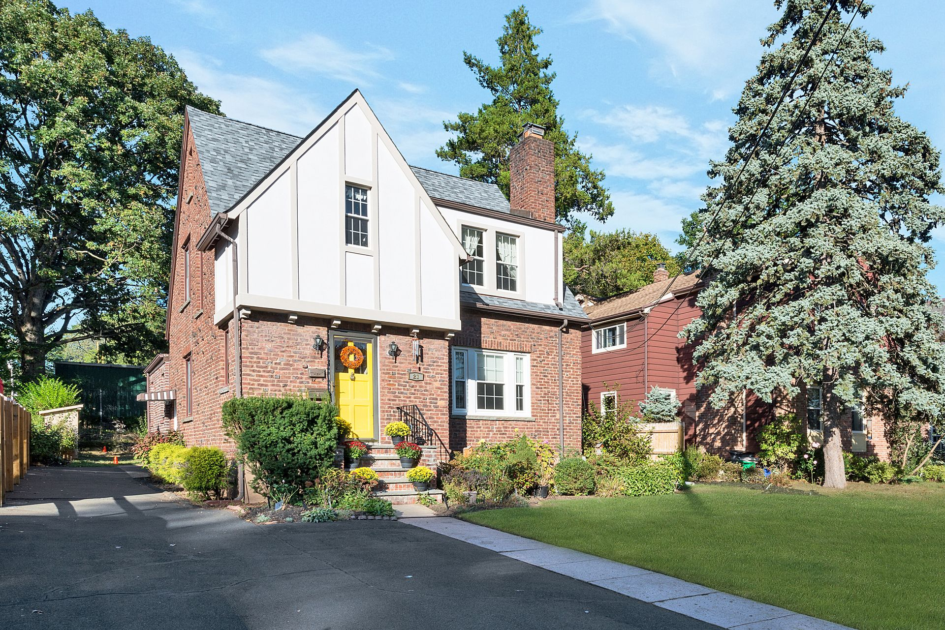 Pretty home sold by Donna Cox who is the best real estate agent in Rockland County and Nyack