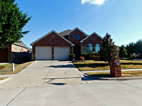 Single Family Home For Lease: 817 Hardwood Dr
