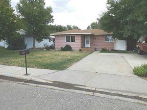 Single Family Home Sold: 715 Juniper Ave
