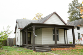 Single Family Home Sold: 1621 Woodlawn AVE