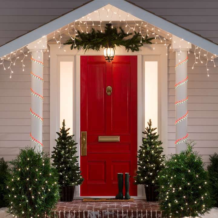 Parisa Samimi_buying or selling a home during the holidays can make a lot of sense