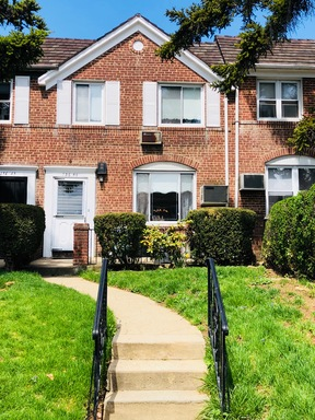 Kew Gardens Hills NY Single Family Home Sold: $765,000