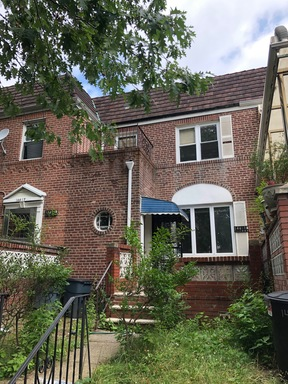 Kew Gardens Hills NY Single Family Home For Sale: $799,000