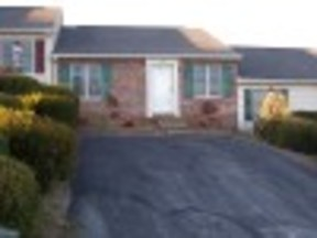 Rental Leased: One Level Townhouse
