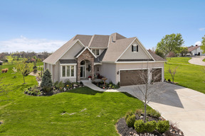 Olathe KS Single Family Home Sale Pending: $495,000