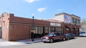 Commercial For Lease: 27 E. Oak Ave