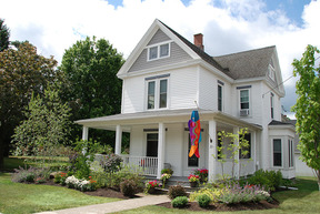 Vacation Rental For Rent: 33 Main St.