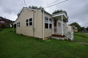 Single Family Home For Sale By Owner: 1608 Broad St.