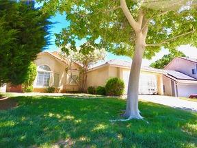 Palmdale  CA Single Family Home Sale Pending: $315,000