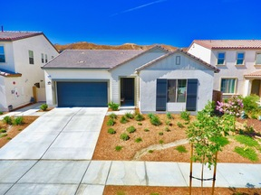 Santa Clarita CA Single Family Home For Sale: $714,000