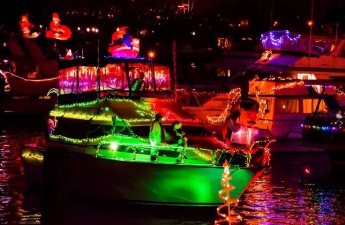 Alexandria Holiday Boat Lighting celebration Family activities for Alexandria Va December 1, 2018