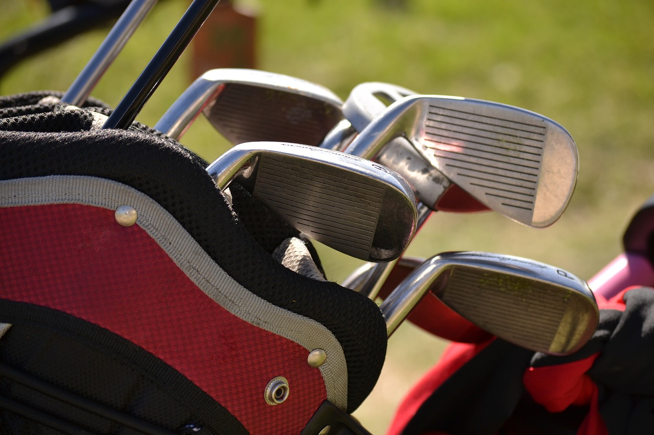 Keeping your golf clubs clean shiny and free of grime household tips