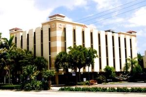 Biscayne Center 129, North Miami