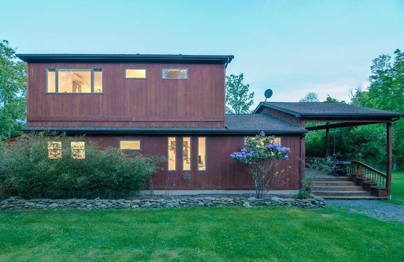 LISTED: 4 Must-See Modern Hudson Valley Homes | 106 Sheldon Road, Pine Bush, NY