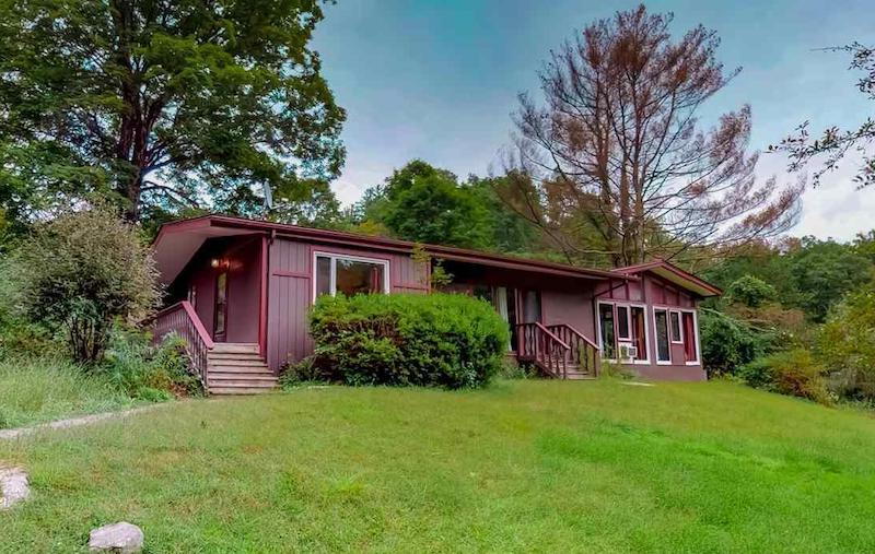 LISTED: 4 Must-See Modern Hudson Valley Homes | 33 Racetrack Road, Bearsville, NY