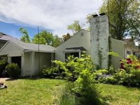 Single Family Home For Sale: 3 Raynham Dr