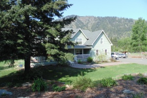 Leavenworth Riverfront Home