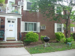 Co-op Under Contract: 255-22 75th Ave. #1st fl