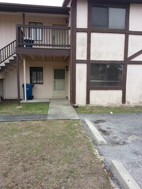 Lease/Rentals Lease Pending: 2332 W Silverhill Ln (AVAIL OCT)