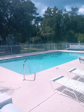 Condo For Rent: 955 SE Mayo Dr
