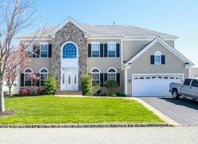 Residential Sold: 8 Pinehurst Dr