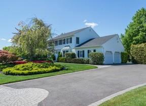 Residential Sold: 24 Vineyard Way